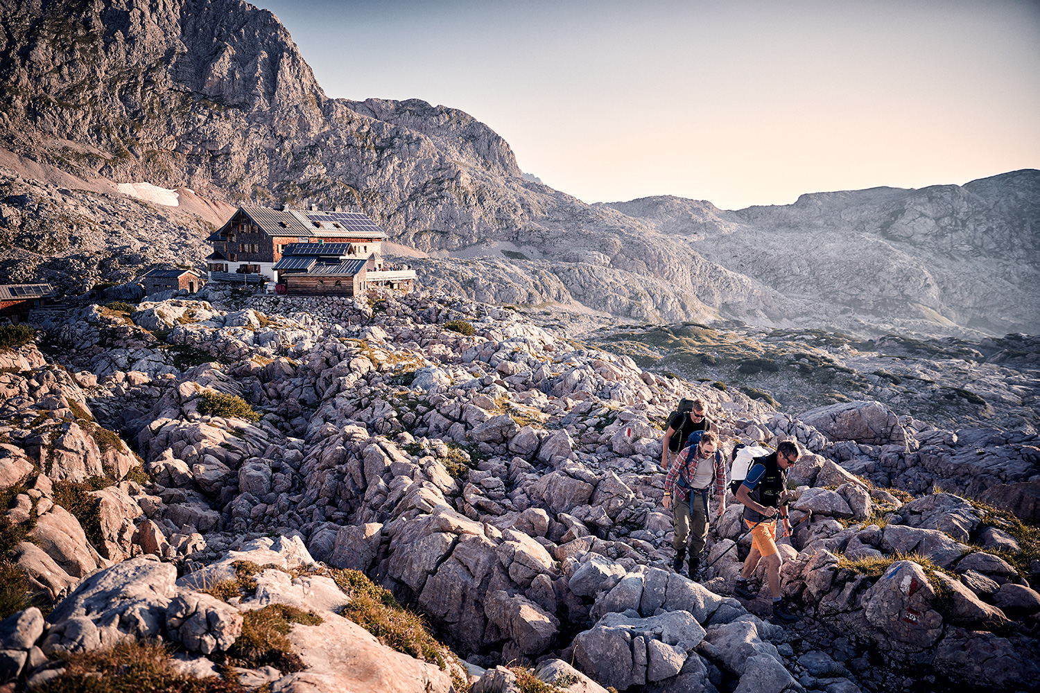 WALDEN Magazin founders Markus and Harald setting off from the mountain hut for their first mountaineering tour